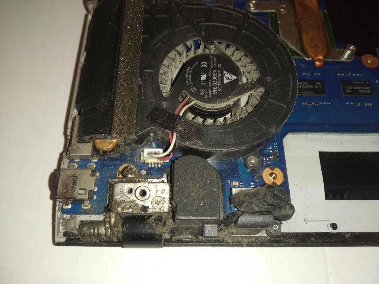 Ремонт и чистка ноутбука Samsung 300E